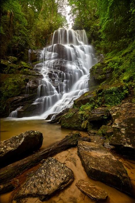 Eastatoe, Falls